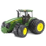 Bruder John Deere 7930 Traktor med Tvillinghjul 1:16