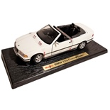 Maisto BMW 325i Cabriolet -93 1:18 Vit