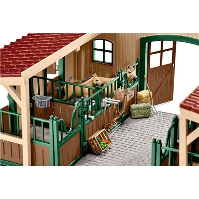 Schleich Farm World Stall med Hästar och Tillbehör, 42195