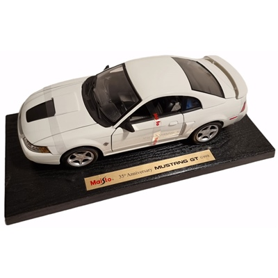 Maisto Ford Mustang GT 35th Anniversary -99 1:18, 35860