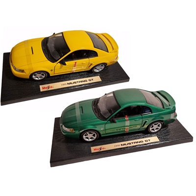 Maisto Ford Mustang GT -99 1:18, 31860