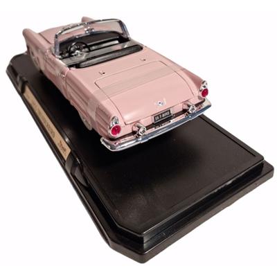 Yat Ming Road Signature Ford Thunderbird Hardtop -55 1:18, 92068RO